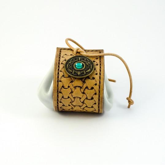 Artisanat - Bourse en cuir avec concho