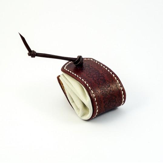 Artisanat - Bourse en cuir banche